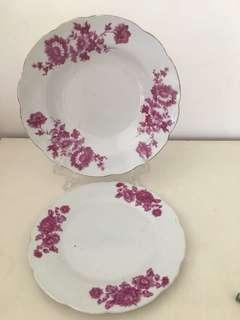 7 pieces of Vintage Plates