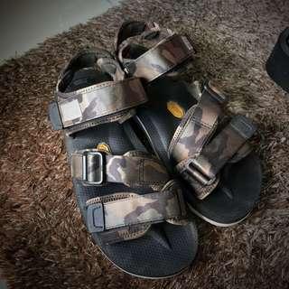 28520a493646 INSTOCK Suicoke X End Sandals
