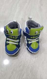 Dino pre walker shoes