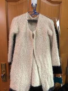 白色毛毛外套 white coat