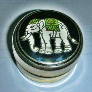 🚚 aaL皮1商旋.少見泰國製金屬景泰藍大象造型圓形置物盒!--值得收藏!/6房樂箱22/-P