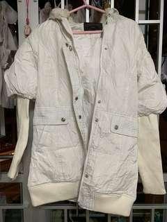 全新白色外套 羽絨 中長款 冬天必備 coat 🧥 薄羽絨
