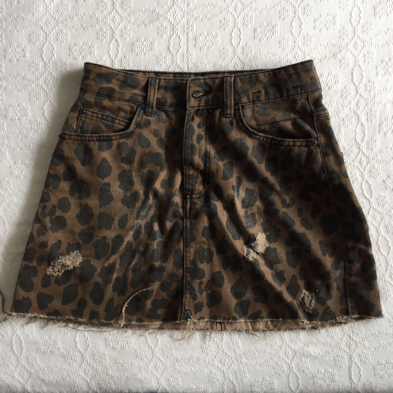 5dbbeae4c10b BERSHKA leopard print denim skirt on Carousell