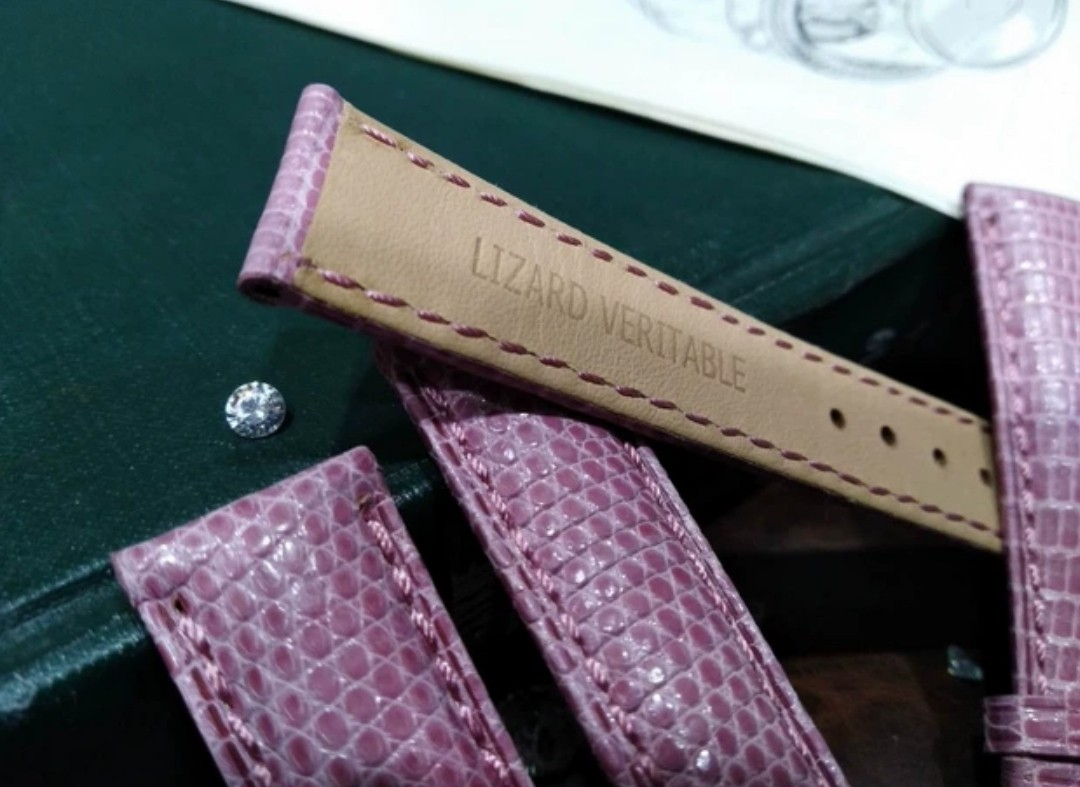 c9e3d67dc Pink Lizard 18MM Leather Watch Strap, Women's Fashion, Watches on Carousell