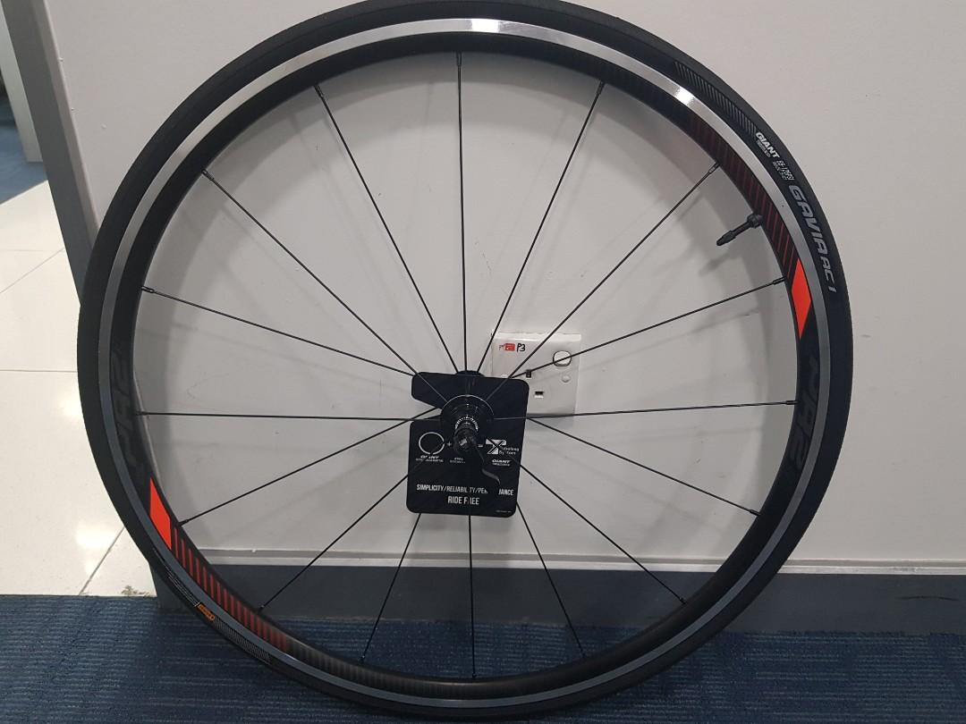 Giant pr2 tubeless + new tire, Bicycles & PMDs, Bicycles