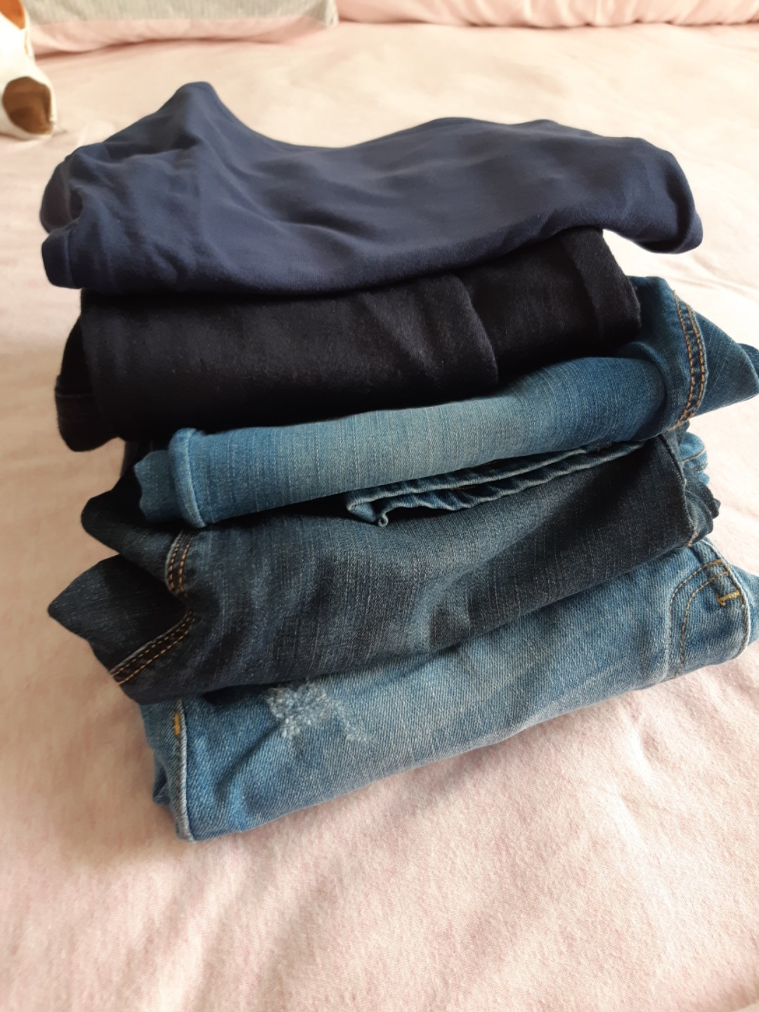 f189bfcd4e381 H&M Maternity Jeans - euro 34/us 4 and euro36/us6, Babies & Kids ...