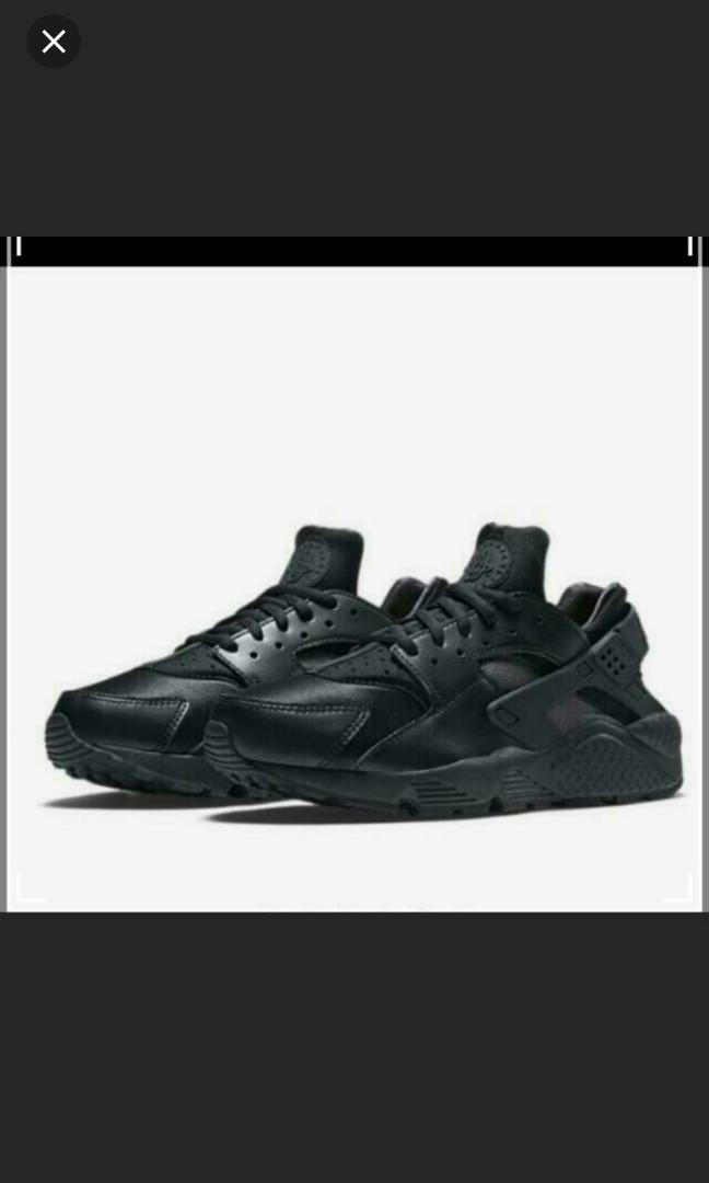 watch abde3 55e6e Nike Air Huarache Triple Black