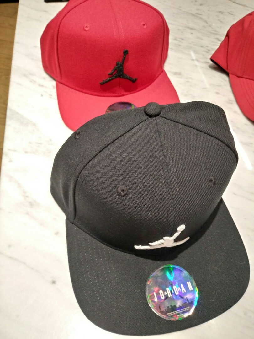 the best attitude 80578 7ed26 Nike Air Jordan Caps Red Black, Mens Fashion, Accessories, Caps  Hats on  Carousell