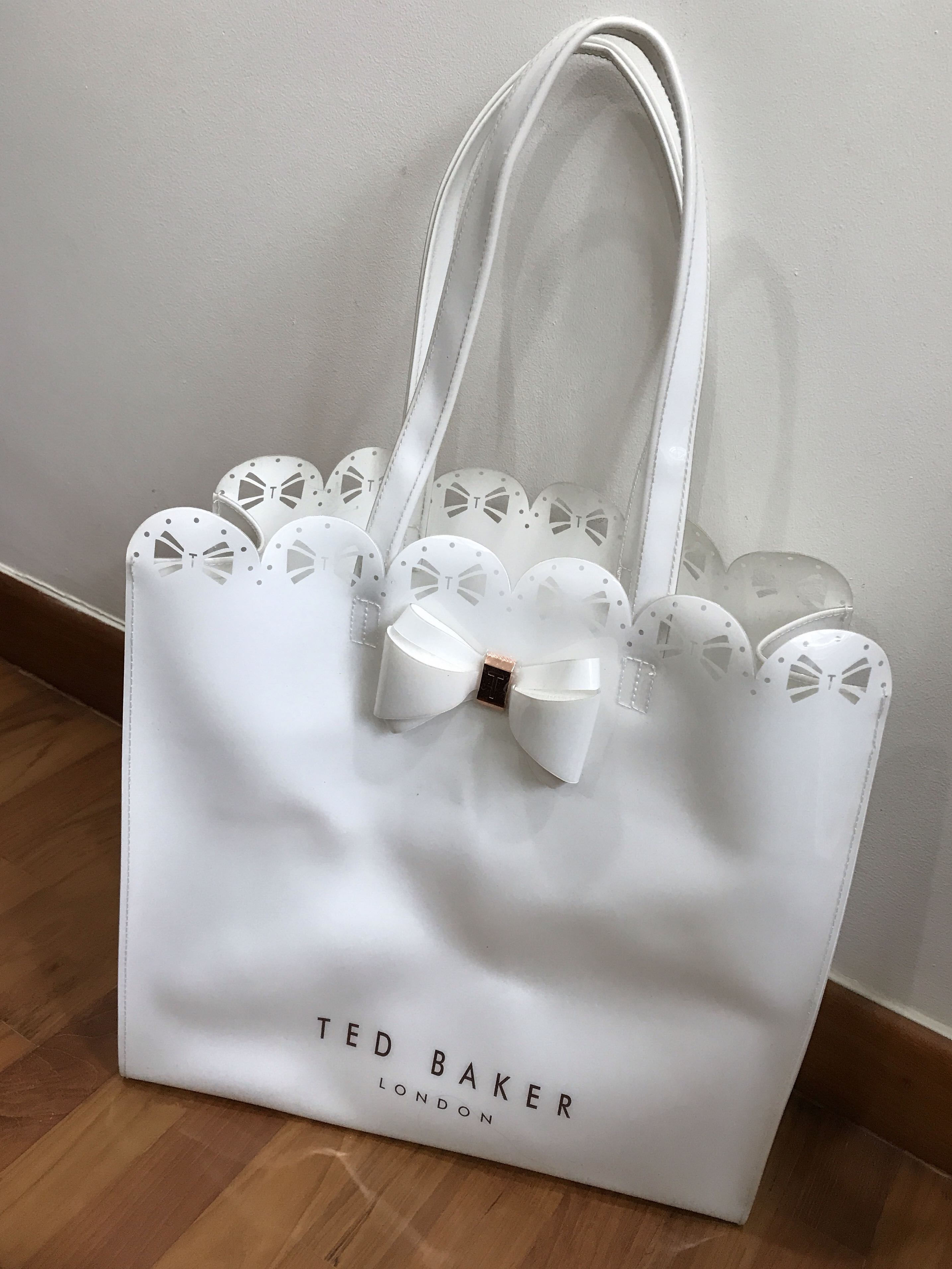 a6a71b16c Ted Baker Ellicon Women s Small Bow Tote Bag White