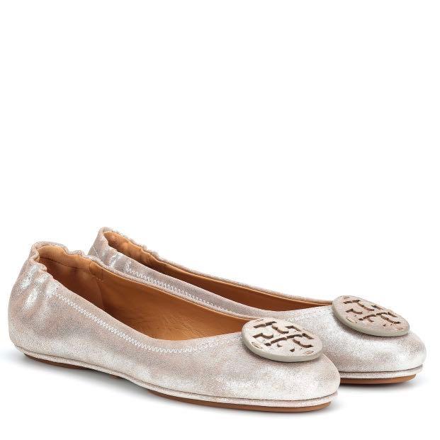 db0cf3a10094 Tory Burch Silver Minnie Flats, Women's Fashion, Shoes, Flats ...