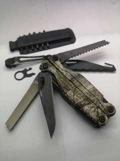 Leatherman Charge TTI Woodlands Camo Multitool