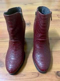 LPB Boots (Dark Purple)