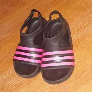 adidas slippers NO BOX size 6k