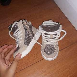 H&M gliterry high top size 4-5