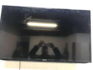 "42"" Flat screen Samsung TV"