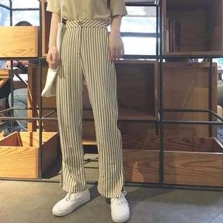 🎉5折現貨出清🎉 0.13area 高腰顯直條紋開叉九分褲 • 淺咖、黑灰
