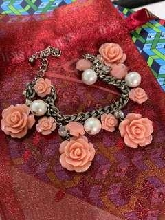 Rose with Pearl Bracelets