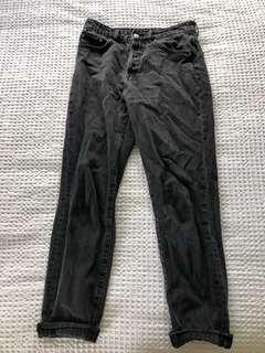 Black 90s slim fit jeans