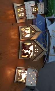聖誕裝飾。小木屋燈