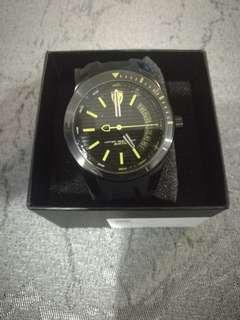 Brand new unworn genuine authentic ferrari watch silicone strap black not seiko citizen tag omega