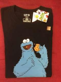 Uniqlo x KAWS x 芝麻街 Sesame Street Cookie Monster XL size
