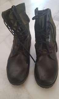 Boots camo