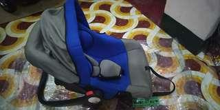 Picolo baby/toddler carseat