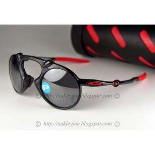 6de7208a0e864 BNIB Oakley Scuderia Ferrari Collection X Metal Madman dark carbon + black  iridium