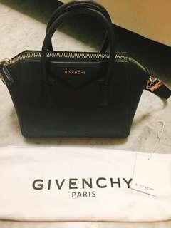 aa0ab232dc92 Givenchy Antigona Small Black