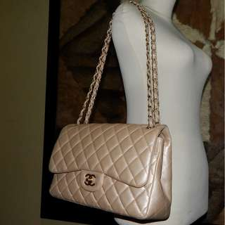 6761762097584f CHANEL jumbo quilted pearl metallic calfskin classic double flap bag (2012)