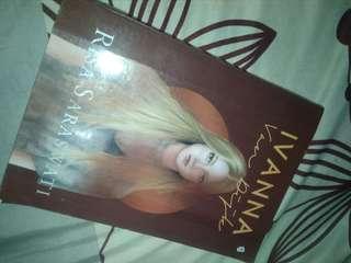 Buku ivanna - risa saraswati
