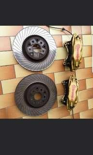 Front Brembo gold + tarox rotors