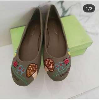 Sepatu wanita Calliope