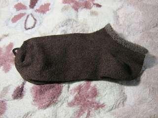 🚚 咖啡色滾邊女短襪