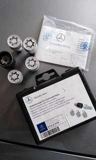 Mercedes wheel lock nut / anti thief
