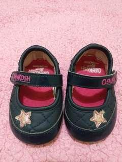 Sepatu OshKosh size 3