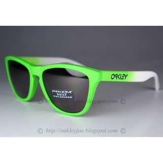 6720afc4c8 BNIB Oakley Frogskins fade green + daily prizm polarized OO9013-99