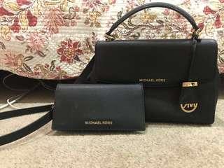 *AUTHENTIC* Michael Kors matching bag & wallet 🖤