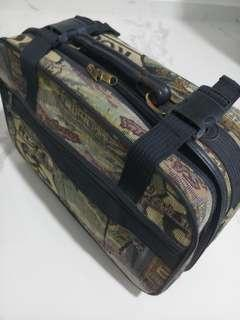 Vintage Hipster Handcarry Luggage