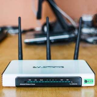 4 Wireless Routers Bundle
