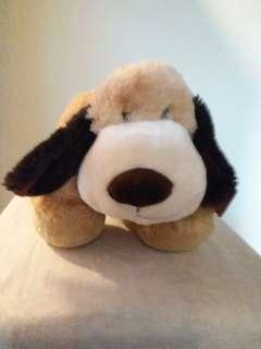 可愛小狗,背脊中間可以放纸巾盒