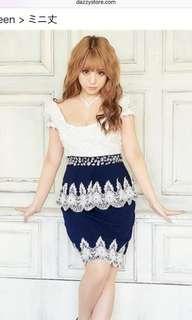 3D floral white/navy dress