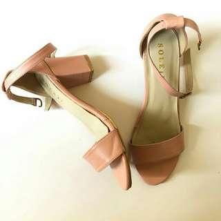 Heels Pink by Soleil