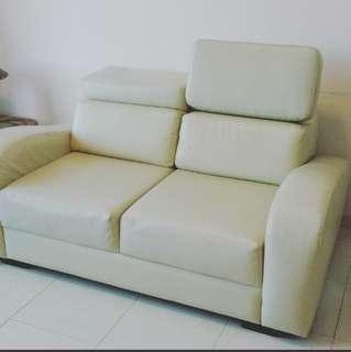 Leather Sofa 2 seater in very good and new condition.