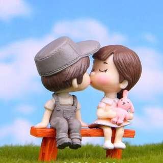 Terrarium Figurines / Terrarium Kissing Couple / Miniature Couple