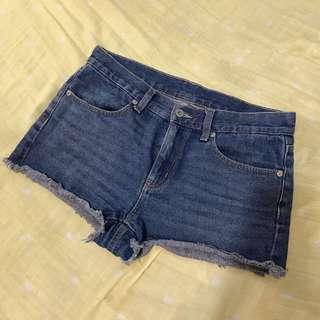 🚚 二手_GU牛仔短褲