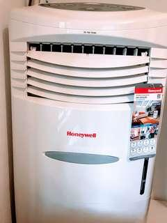 Honeywell Air Cooler - almost new!