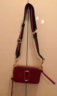 Hit sling bag