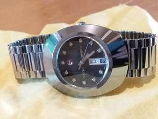 RADO 瑞士制雷達錶,全鋼,全自動,九成新,行走精神,剛換錶帶扣,35mmX42mm,净錶。