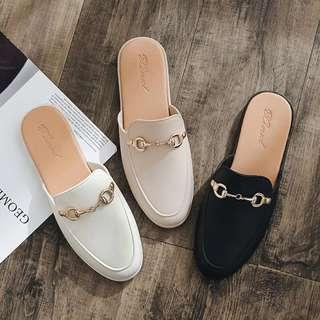 Slip on flats/loafers